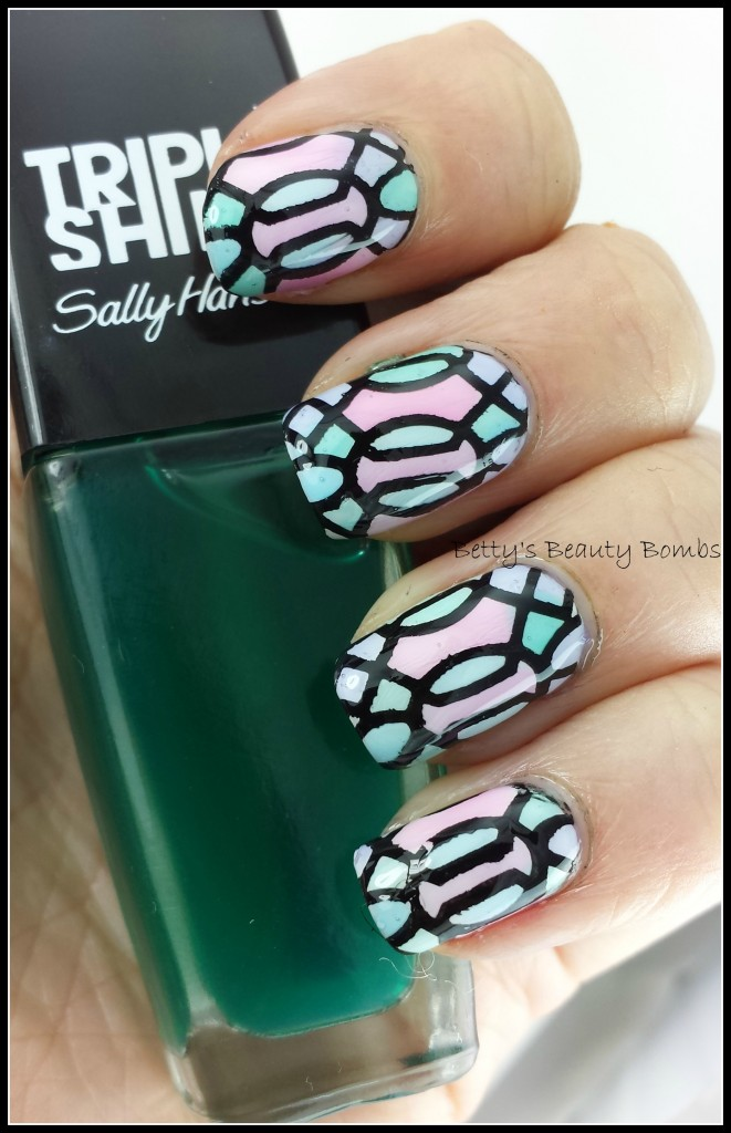 Sally-Hansen-Sea-Through