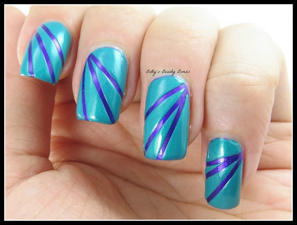 Purple-And-Teal-Nail-Art