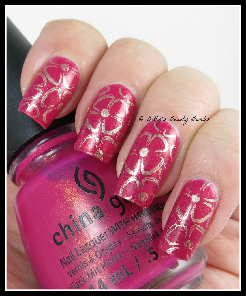 Flowers-Stamping-Nail-Art