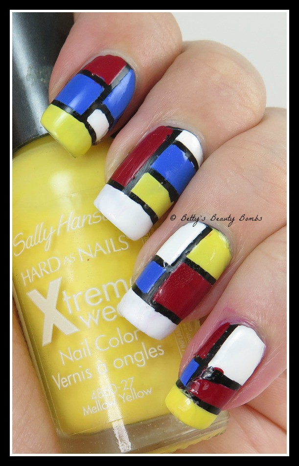 Sally-Hansen-Mellow-Yellow