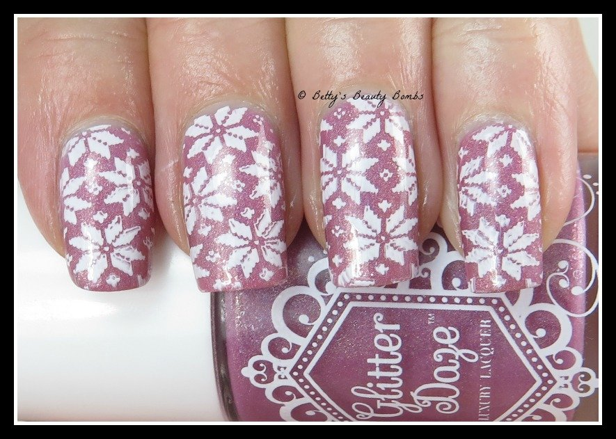 Winter-sweater-nail-art