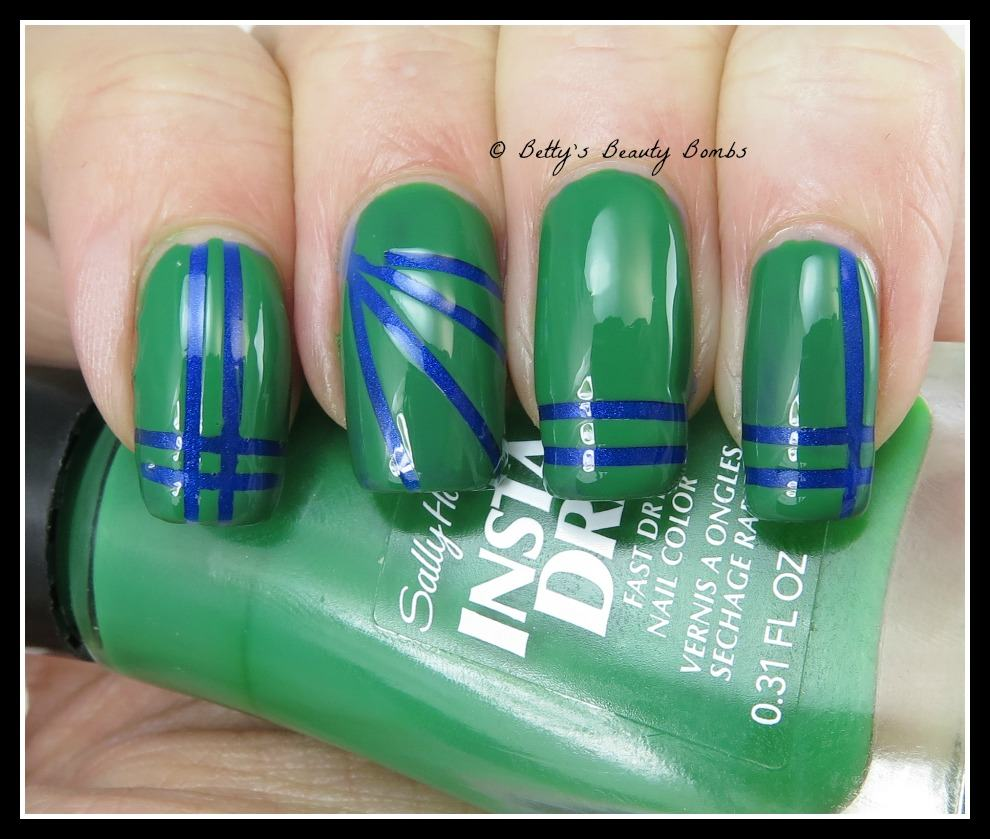 blue-and-green-seahawks-mani
