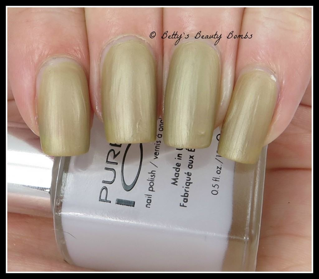 pure-ice-flawless-swatch