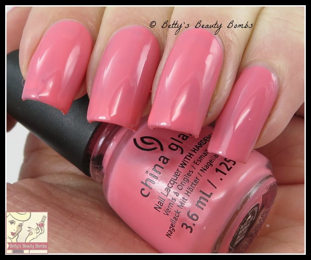 china-glaze-pinking-out-the-window