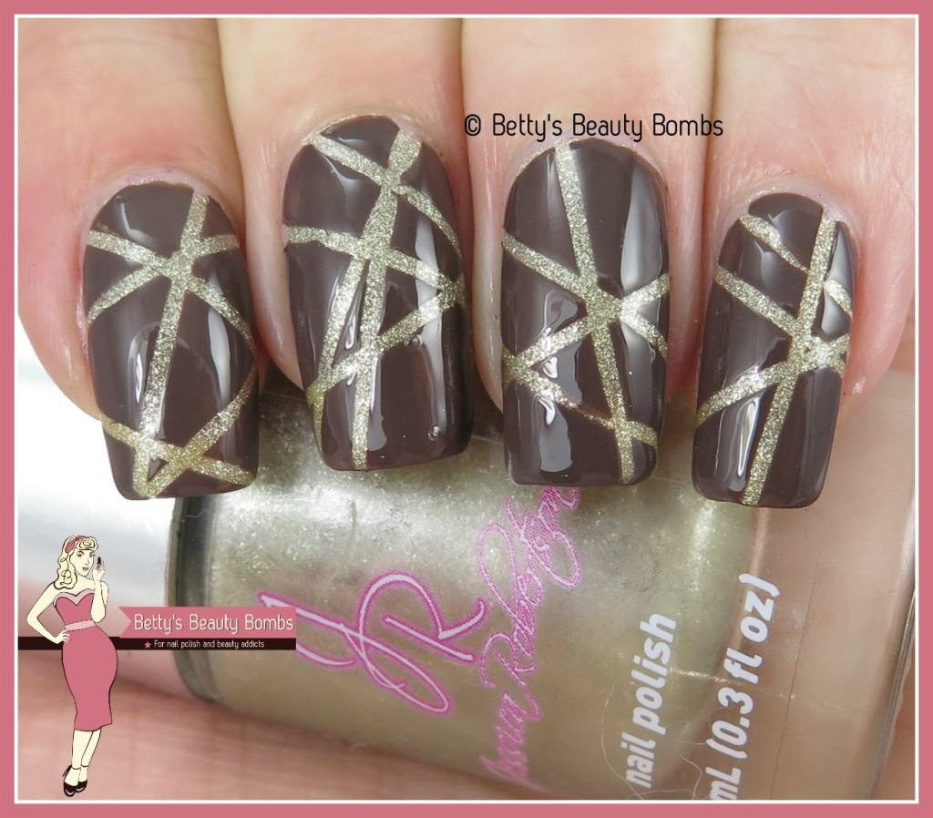 brown-and-gold-nail-art