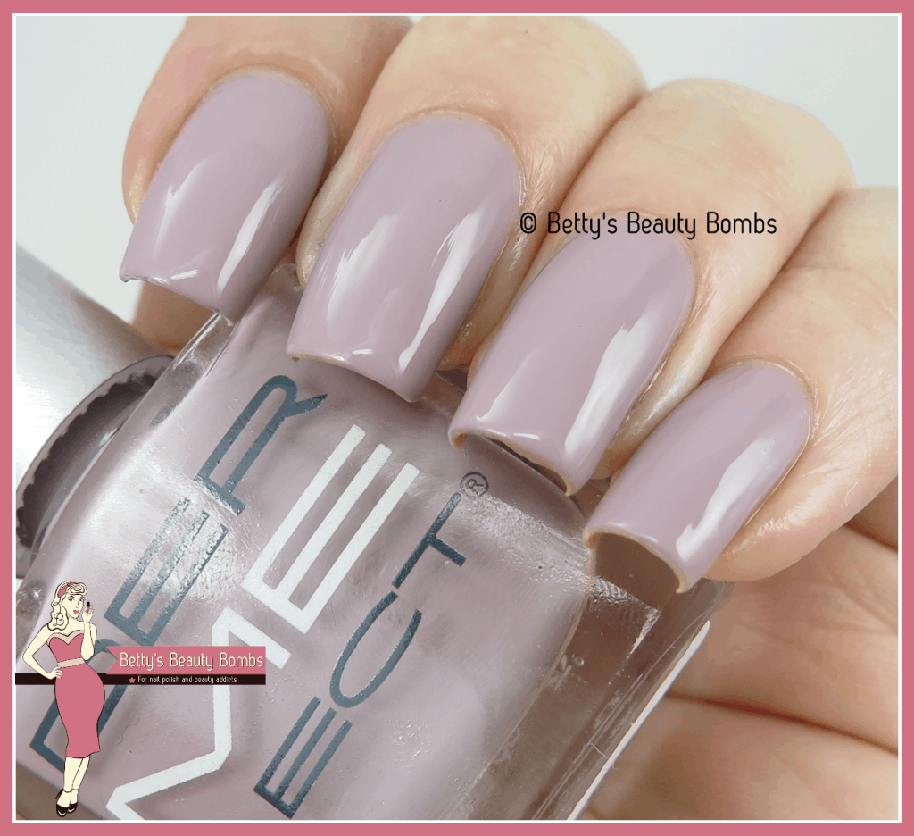 dermelect-dune-my-thing-swatch