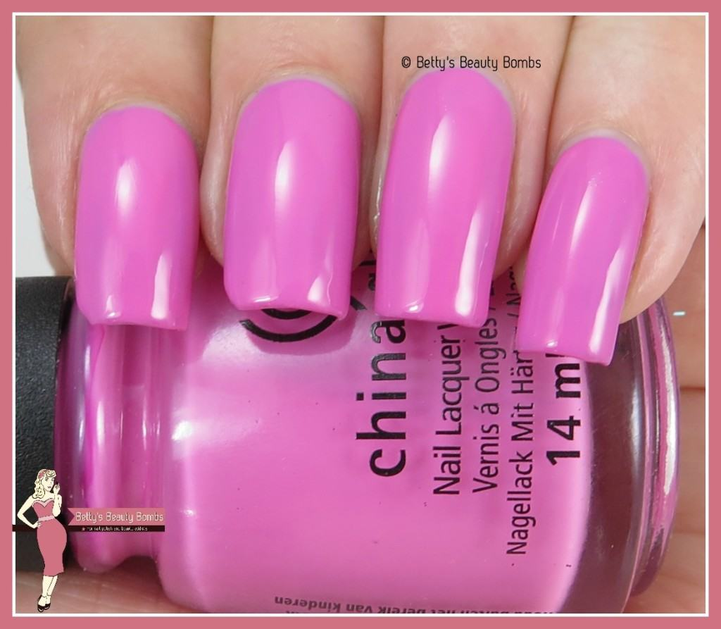 china-glaze-don't-mesa-with-my-heart-swatch