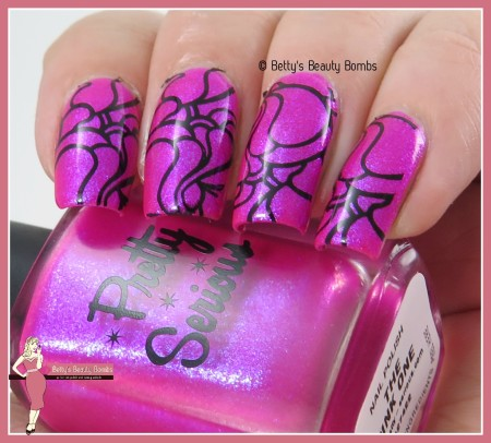 pink-and-black-nail-art