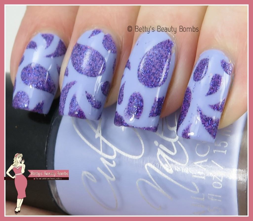 purple-glitter-nail-art