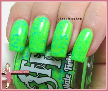 fairytale-finish-rave-green