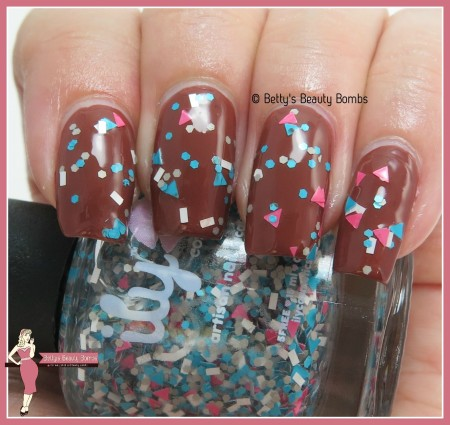 ily-cosmetics-tribal-swatch