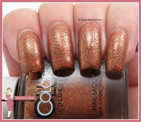 color-club-indulge-me-swatch
