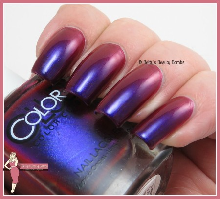 color-club-we'll-never-be-royals-swatch