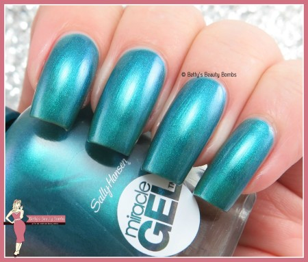 sally-hansen-combustable-swatch