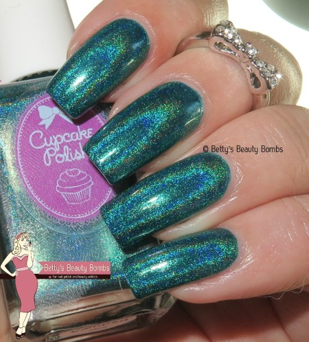cupcake-polish-re-vamped-with-flash