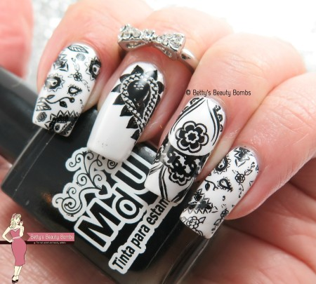 black-and-white-nail-art