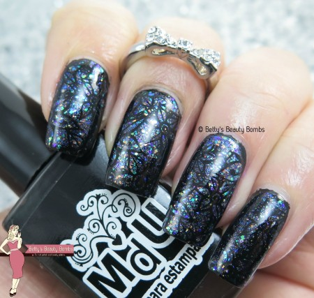 stamping-on-flakie-nail-art