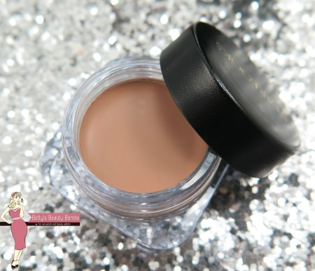 starlooks-cream-eyeshadow