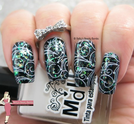 swirly-nail-art