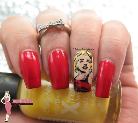 marilyn-monroe-nail-decals
