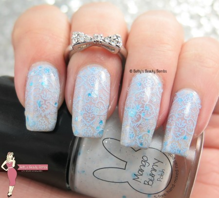 winter-blue-nail-art