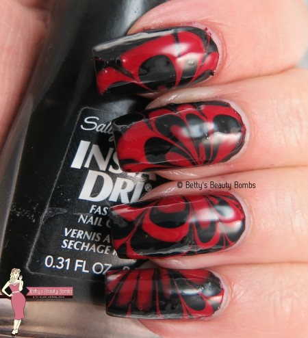 black-and-red-watermarble