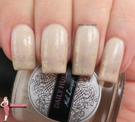daily-hues-amelie-swatch