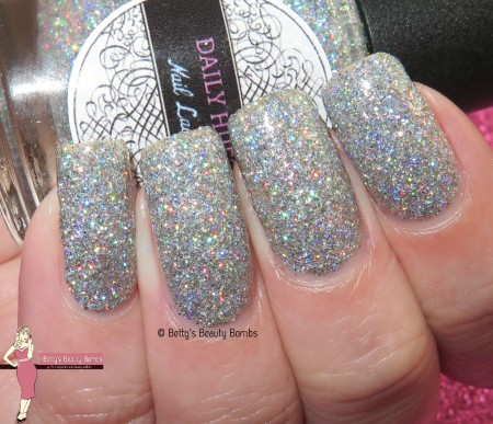 daily-hues-eve-with-flash
