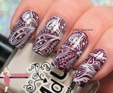 lacy-stamping-nail-art