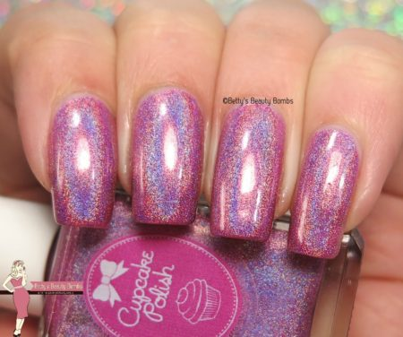cupcake-polish-hatch-of-the-day-swatch