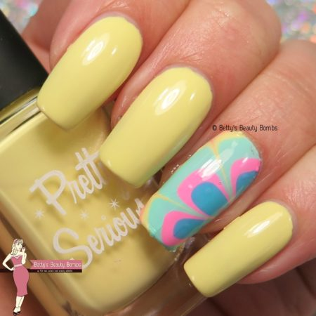 pretty-serious-little-duckling-swatch