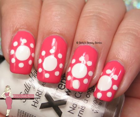 white-and-coral-nail-art