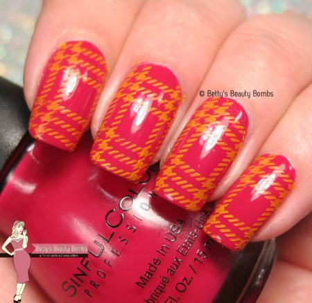 plaid-nail-art-stamping