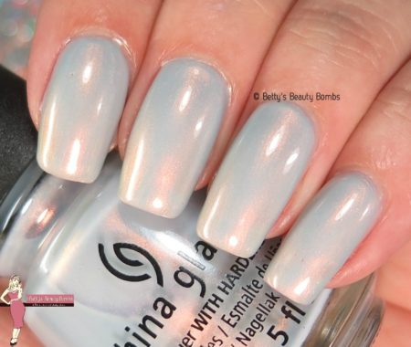 china-glaze-pearl-jammin'-swatch