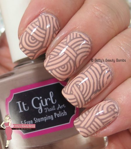 neutral-stamping-nail-art