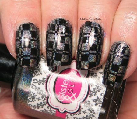 checkerboard-nail-stamp
