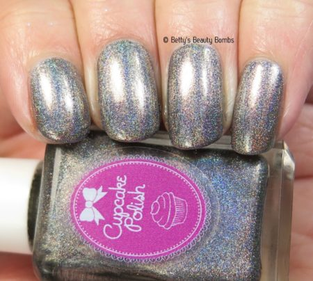 cupcake-polish-grace-swatch