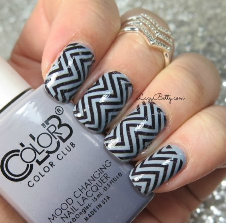 nail-hugs-chevrons